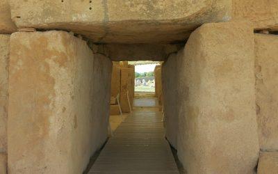 Apie sienas, atskirtį ir vidinę Šventyklą